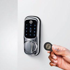 yale-keyless-connected-smart-lock-with-key-tag-jpgp0x0-q85-m1020x420-framenumber1