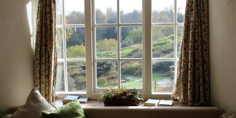 6 Signs You Need New Windows and Doors